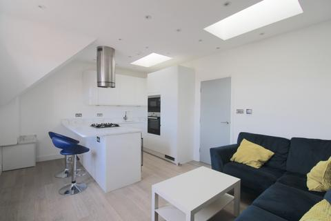 1 bedroom apartment - Tooting High Street, London, SW17