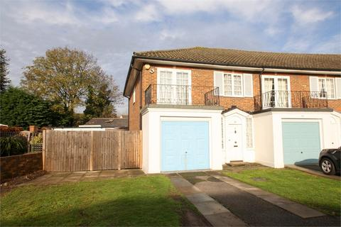 3 bedroom semi-detached house for sale - Chestnut Manor Close, STAINES-UPON-THAMES, Surrey