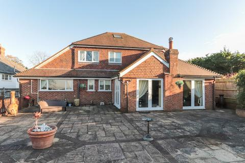 5 bedroom detached house for sale - Spacious Detached House Flimwell