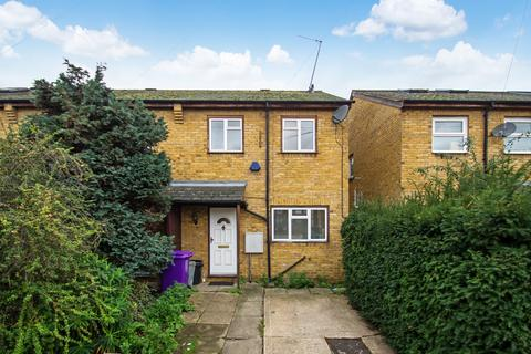 3 bedroom terraced house to rent - Woodseer Street, Shoreditch, E1
