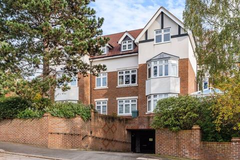 2 bedroom apartment for sale - Russell Hill, West Purley