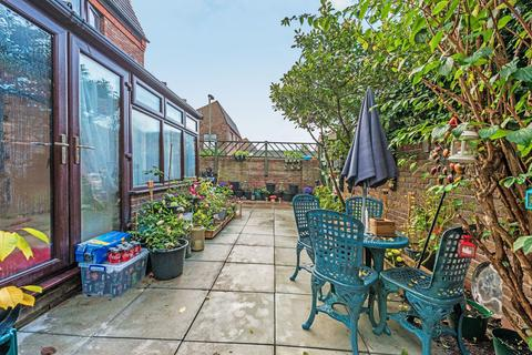 3 bedroom end of terrace house for sale - Shakespeare Road, London SE24