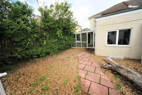 8 bedroom house to rent - Malmesbury Park Road, Charminster, Bournemouth