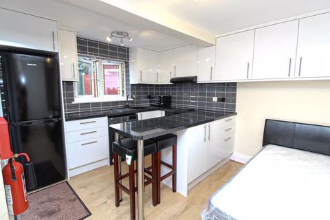 Studio to rent - Cranbrook Park, Wood Green, N22