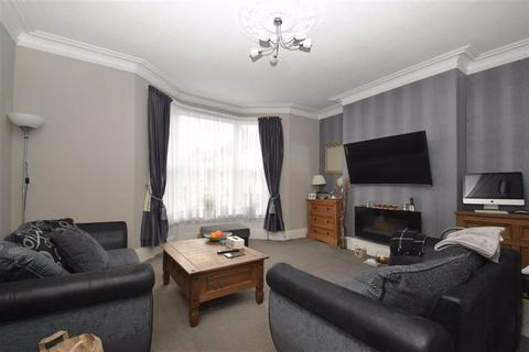 2 bedroom maisonette for sale - Victoria Road, Scarborough, North Yorkshire, YO11