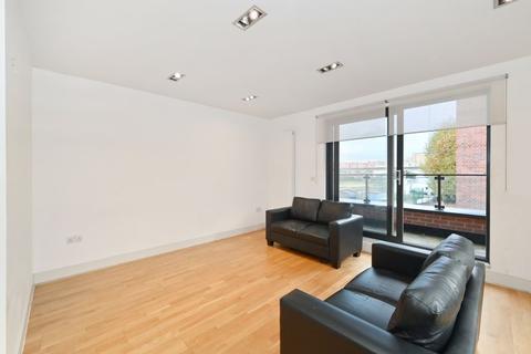 3 bedroom apartment for sale - 210 Poplar High Street, London, E14