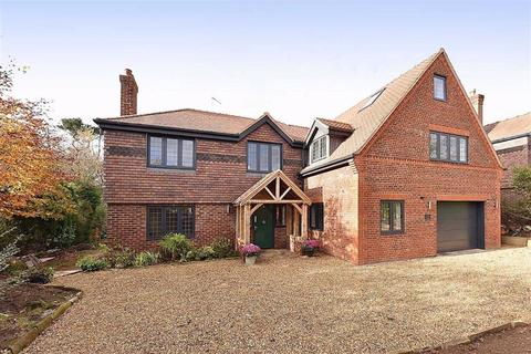 6 bedroom detached house for sale - Southdown Close, Tytherington, Macclesfield