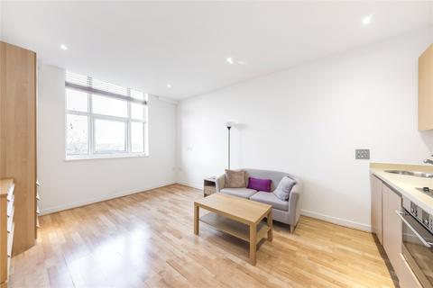 Studio to rent - Bromyard House, Bromyard Avenue, London, W3