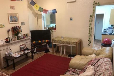 4 bedroom terraced house to rent - 16 Harrow Road, Selly Oak, Birmingham