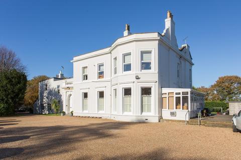 2 bedroom apartment for sale - London Road, Dunkirk, Faversham