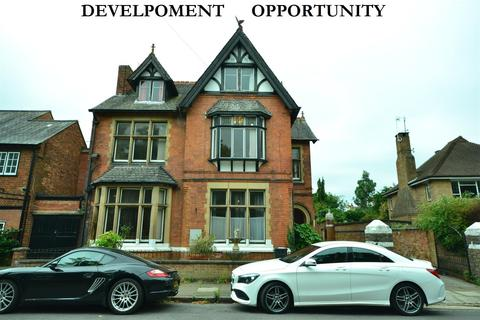 8 bedroom detached house for sale - East Avenue, Leicester