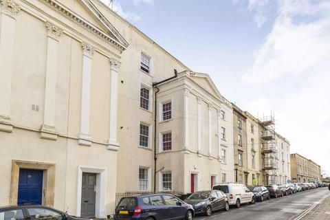 2 bedroom flat to rent - Clifton Meridian Place
