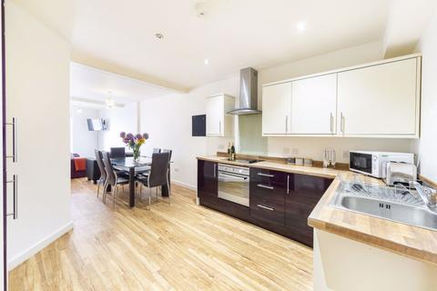 5 bedroom flat to rent - Clifton, Queens Road