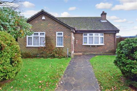 3 bedroom detached bungalow - Wingrove Drive, Weavering, Maidstone, Kent