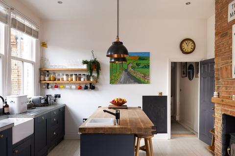 4 bedroom maisonette for sale - Albert Road, London N22