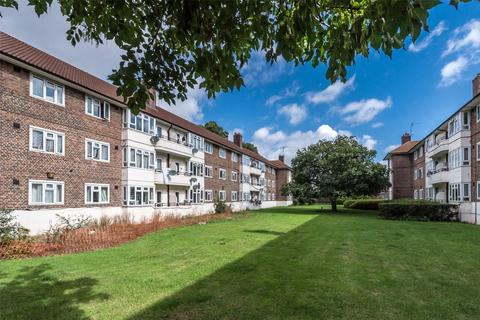 4 bedroom flat to rent - Oaklands Estate, London, SW4