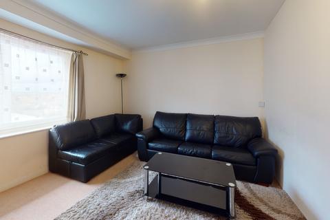 1 bedroom flat to rent - Bergenia House, Feltham TW13