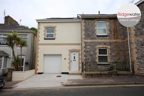 2 bedroom terraced house - Hartop Road, Torquay