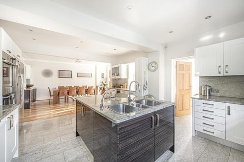 4 bedroom semi-detached house for sale - Park Road, Crouch End