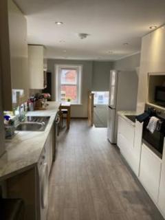 5 bedroom terraced house to rent - Hazelwood Avenue NE2