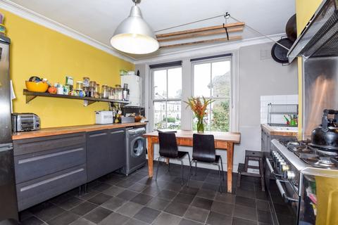 2 bedroom flat to rent - Brixton Hill Brixton SW2