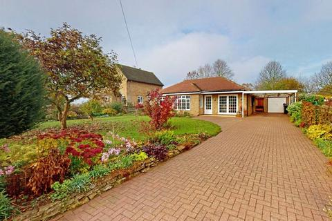 4 bedroom detached bungalow for sale - Stamford Road, Easton On The Hill