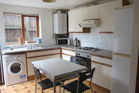 3 bedroom flat to rent - Flat, St Michaels Avenue, Treforest