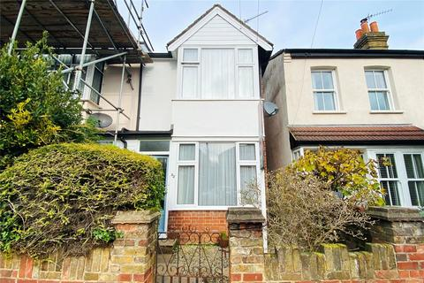 2 bedroom semi-detached house for sale - Ruskin Road, Staines-upon-Thames, Surrey, TW18