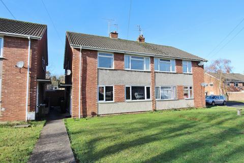 2 bedroom flat - Reynolds Close, Keynsham