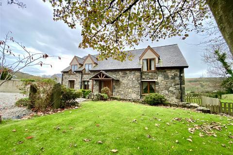 5 bedroom detached house - Llaniestyn, Pwllheli