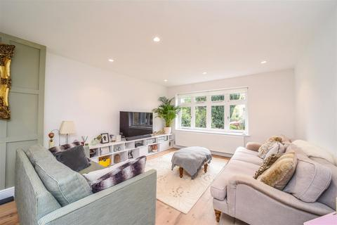 4 bedroom detached house for sale - Broad Lane, Hampton