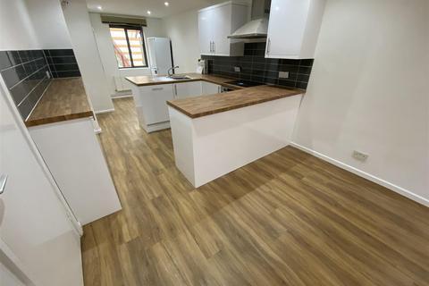 3 bedroom apartment to rent - Queensway, Cambridge