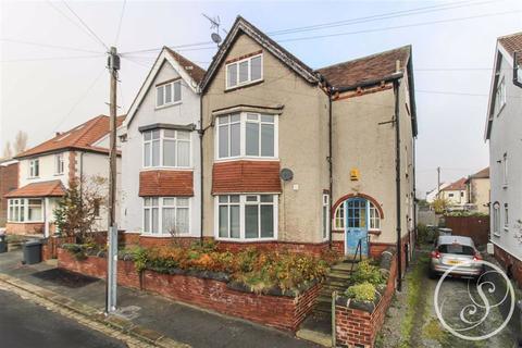 4 bedroom semi-detached house - Norfolk Place, Chapel Allerton, LS7