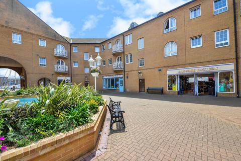 2 bedroom flat to rent - The Octagon, Brighton, BN2 5UU
