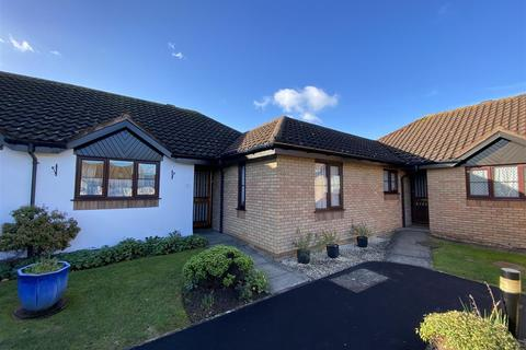 2 bedroom bungalow - Meridian Court, Ashford
