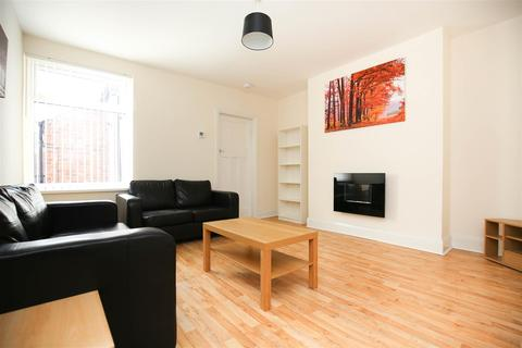 3 bedroom flat - Sackville Road, Heaton, NE6