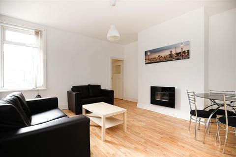 3 bedroom flat to rent - Wingrove Avenue, Fenham, NE4