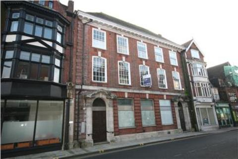 Shop to rent - 14 Minster Street/22 Oatmeal Row, Salisbury, SP1