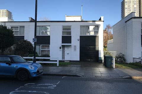 3 bedroom townhouse to rent - King Henrys Road, London NW3