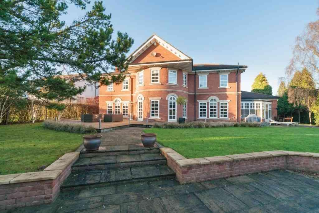 5 Bedrooms Detached House for sale in 21, Darras Road, Darras Hall, Ponteland, Newcastle upon Tyne, NE20 9PD