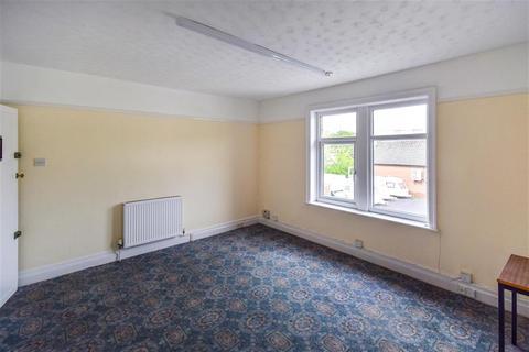 Property to rent - Baildon Bridge, Baildon, Shipley, BD17 7EP