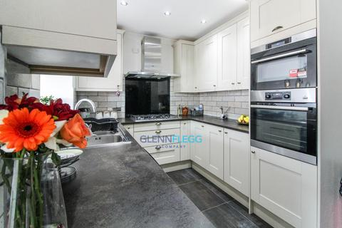 3 bedroom terraced house for sale - Ryvers Road, Bonus Loft Room & Out House - Open & Operating As Normal
