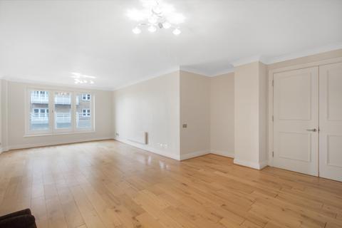 3 bedroom flat for sale - Odessa Street, London, SE16