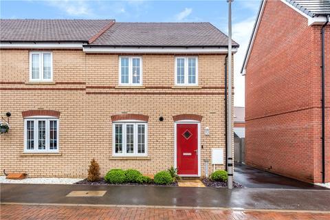 3 bedroom end of terrace house for sale - Dominica Grove, Newton Leys, Bletchley, Milton Keynes, MK3