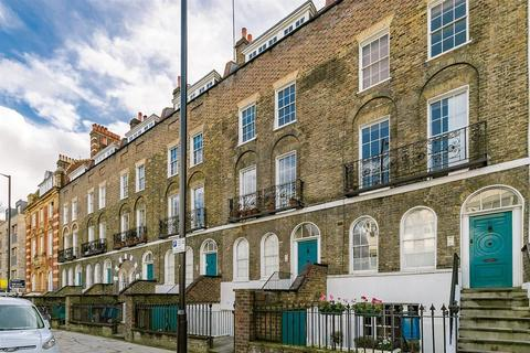 2 bedroom maisonette to rent - New North Road, London