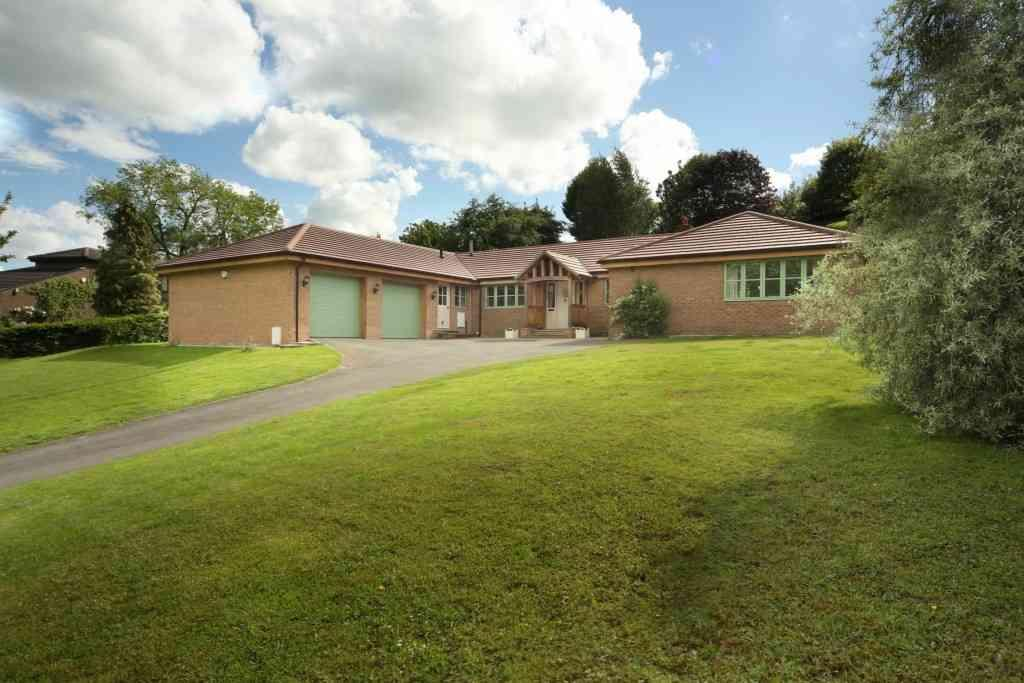 5 Bedrooms Detached House for sale in Green Garth, 11 The Dell, Fulbeck, Morpeth, Northumberland, NE61 3JY