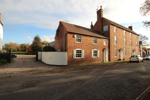 3 bedroom end of terrace house to rent - High Street, Feckenham, Redditch, B96 6HS