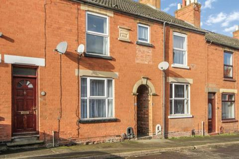 3 bedroom terraced house to rent - Victoria Street, , Grantham, NG31 7BW
