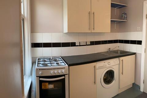 1 bedroom flat to rent - LONDON, E17