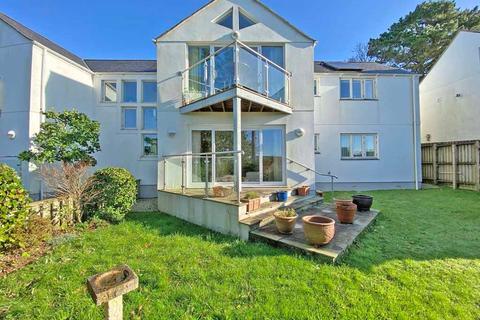 2 bedroom apartment - Off Bodmin Road, Truro, Cornwall